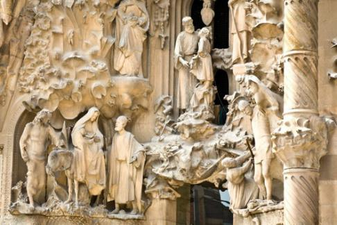 Sagrada Familia + Tower - Guided Tour with Fast Track