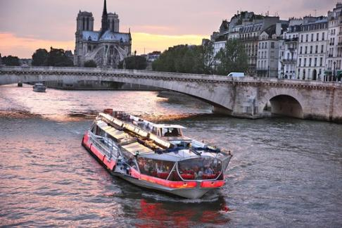 Bateaux Mouches - Dinner Cruise