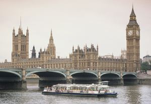 2 for 1 Thames Cruise Rover Pass Special Offer