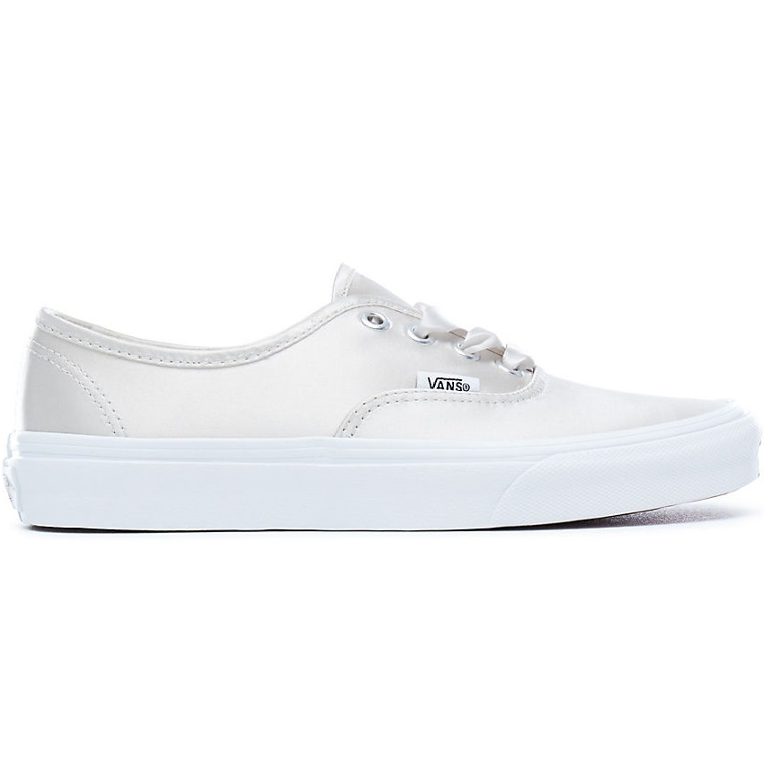 Converse Satin Lux Authentic Sneaker